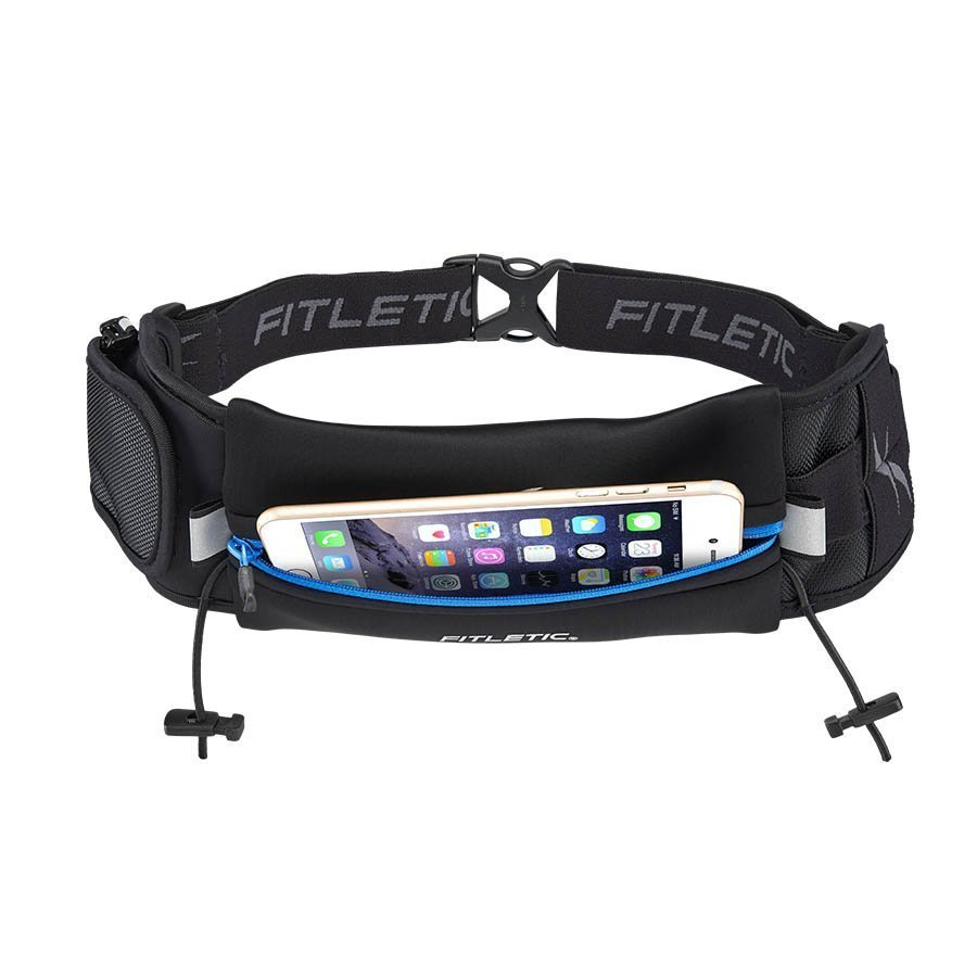 ultimate II running pouch with gels blue holding phone