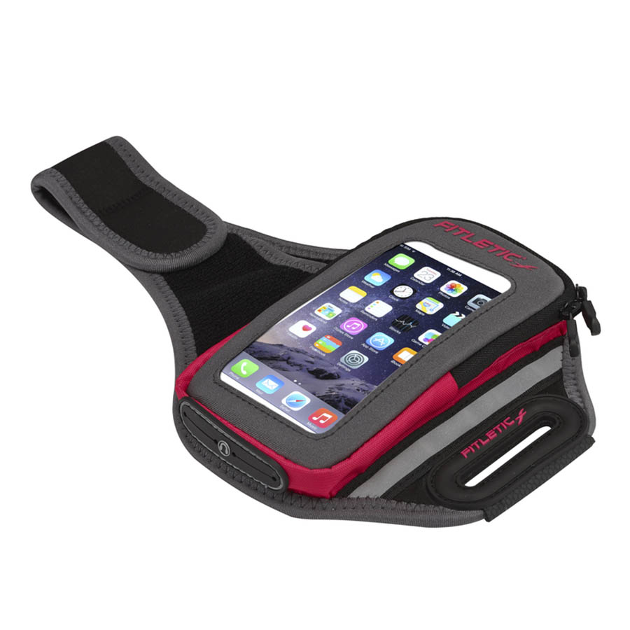 forte arm band holding phone pink